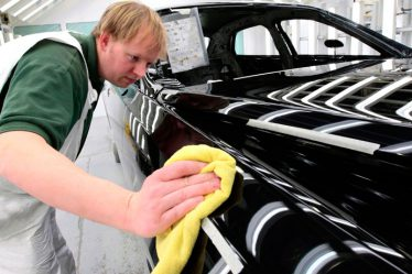 Рейтинг ТОП 7 лучших средств для удаления царапин на авто